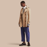 Burberry The Kensington – Mid-length Heritage Trench Coat