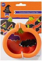 Wilton 2 Piece Comfort Grip Cookie Cutter - Pumpkin w/Mini Bat