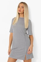Thumbnail for your product : boohoo Gingham Split Detail T Shirt Dress