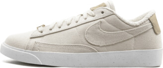 Nike Wmns Blazer Low LX Shoes - Size 7.5W