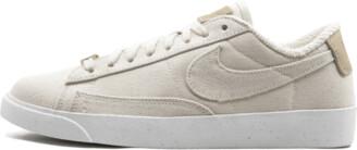 Nike Womens Blazer Low LX Shoes - Size 7.5W