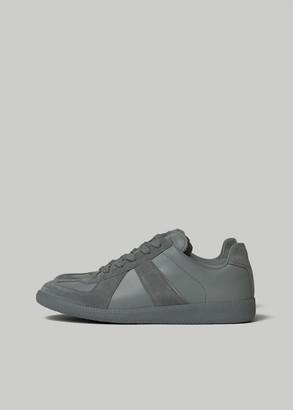 Maison Margiela Men's Replica Sneaker in Graphite Size 41 Leather/Suede/Rubber
