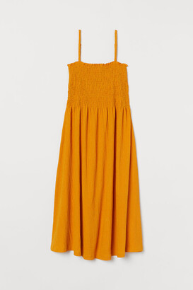 H&M Crinkled Dress - Yellow