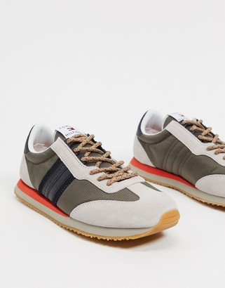 Tommy Hilfiger retro runner sneakers in tan with side logo