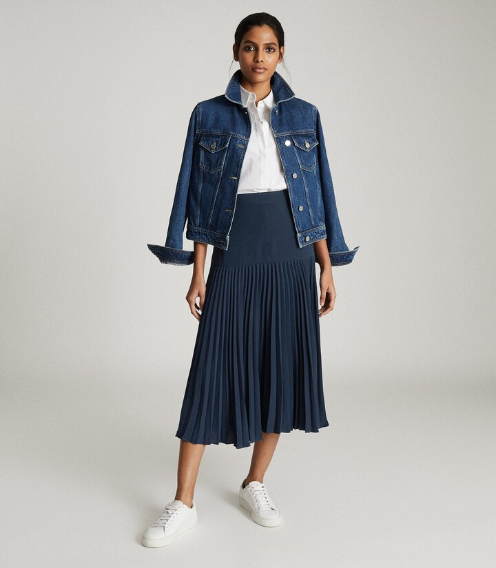 Thumbnail for your product : Reiss Davina - Pleated Midi Skirt in Navy