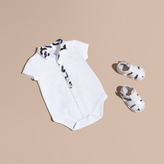 Burberry Wave Print Cotton Three-piece Baby Gift Set