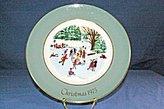 Avon Wedgwood 1975 Christmas Skaters on the Pond Plate w Original Box