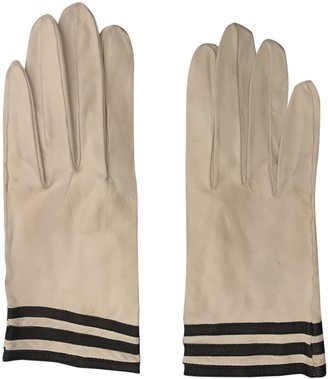 Chanel White Leather Gloves