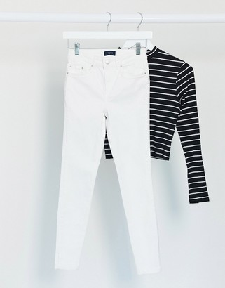 Pieces delly high waisted skinny jeans in white