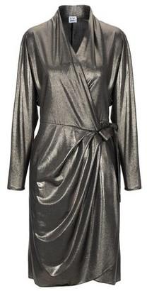 Luma Knee-length dress