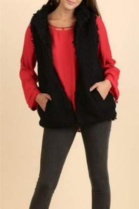 Umgee USA Knit-Faux-Fur Sweater Vest