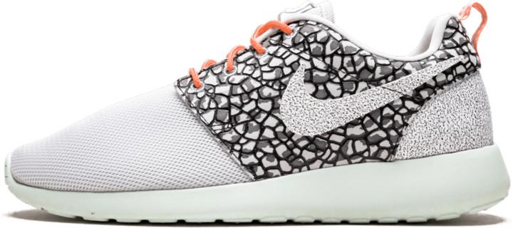 Nike Womens Roshe One Premium Shoes - Size 9.5W