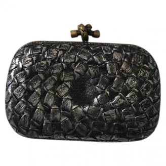 Bottega Veneta Pochette Knot Metallic Leather Clutch bags