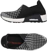 Bernie Mev. Low-tops & sneakers - Item 11381998