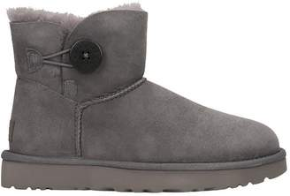 UGG Mini Bailey But Low Heels Ankle Boots In Grey Suede