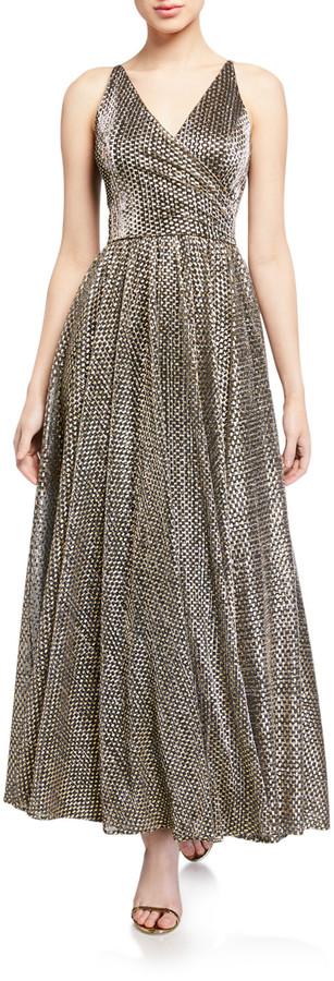 Dress the Population Valentina Metallic Sleeveless Shirred-Bodice Gown