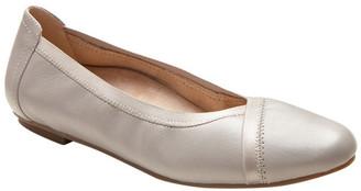 Vionic Caroll Flat Shoe