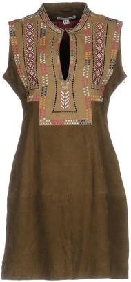 ALPHAMOMENT Short dresses