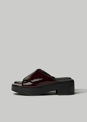 Rachel Comey Women's Serge Clog in Red Shoes in Cherry Size 8.5 Leather/Rubber