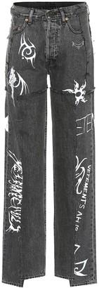 Vetements x Levi'sA a high-rise wide-leg jeans