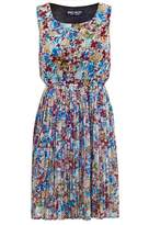 Select Fashion Fashion Womens Red Pleated Floral Tea Dress - size 6