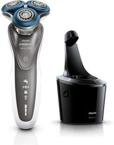 Philips Norelco 7700 Shaver with Series 7000 Shaving Heads