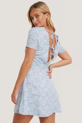 NA-KD Tie Back Short Sleeve Dress