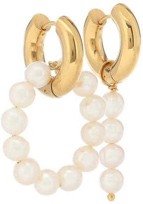 Timeless Pearly Mismatched 24kt gold-plated hoop earrings with pearls