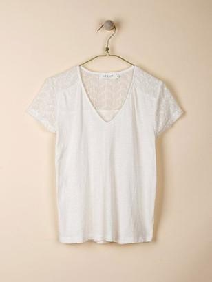 Indi & Cold - White Embroidered Yoke V Neck T Shirt - S