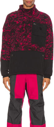 The North Face Black 94 Rage Fleece Pullover in Rose Red | FWRD