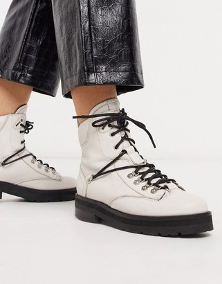 Bronx leather hiker boot in off white