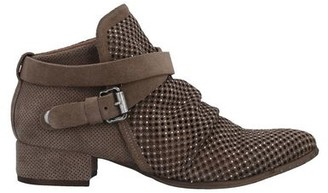 MIMMU Ankle boots