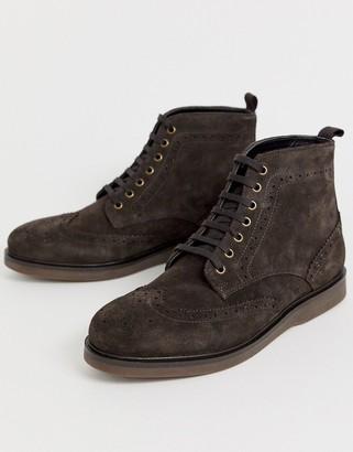 Calverston brogue boots in brown suede-Tan