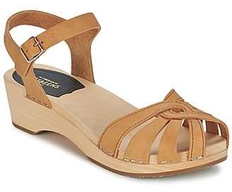 Swedish Hasbeens CROSS STRAP women's Sandals in Beige