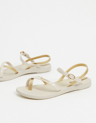 Ipanema toe loop flat sandals