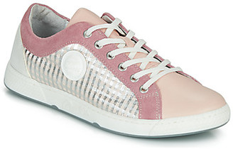 Pataugas JOHANA women's Shoes (Trainers) in Pink