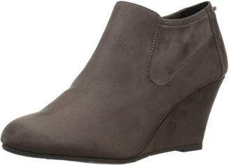 Chinese Laundry Women's Viva Ankle Bootie