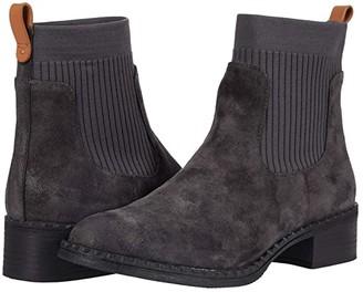 Gentle Souls by Kenneth Cole Best Chelsea Bootie (Black Leather) Women's Shoes