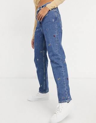 Tommy Jeans mom embroidered mom jean in light wash blue