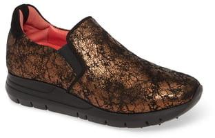 Pas De Rouge Dixie Metallic Slip-On Sneaker