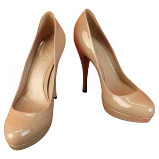 Gucci Beige Patent leather Heels