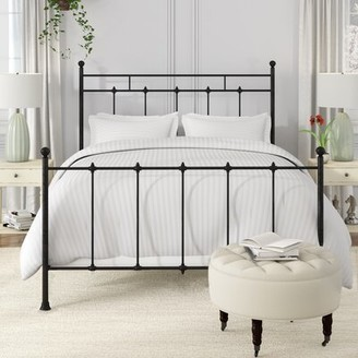Charlton Home Forreston Four Poster Bed Size: Queen