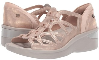Bzees Sasha (Pewter Metallic) Women's Sandals