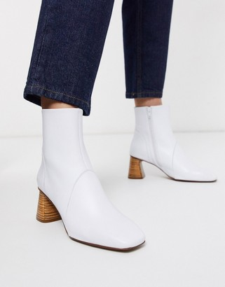 Depp ankle boot with shaped stacked heel in white leather
