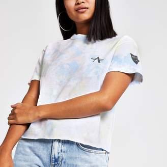 River Island Womens Petite White tie dye cropped T-shirt