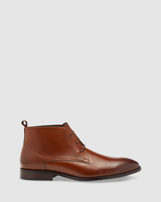 Oxford Wilbur Leather Chukka Boots