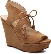 Jessica Simpson Women's Iosha Wedge Sandal -Tan
