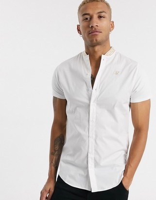 SikSilk short sleeve shirt with tape grandad collar in white