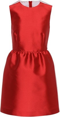Red(V) Sleeveless satin dress