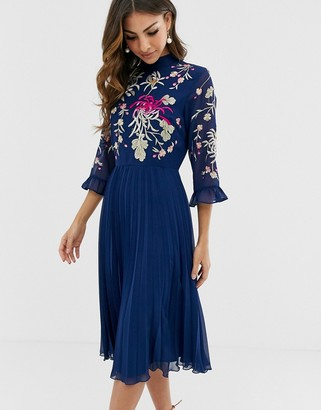 Asos Design DESIGN embroidered pleated midi dress with fluted sleeve-Navy
